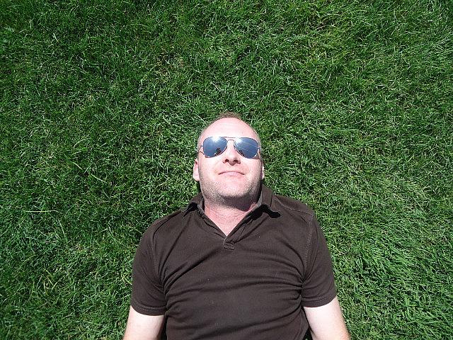 1.1328792125.green-grass