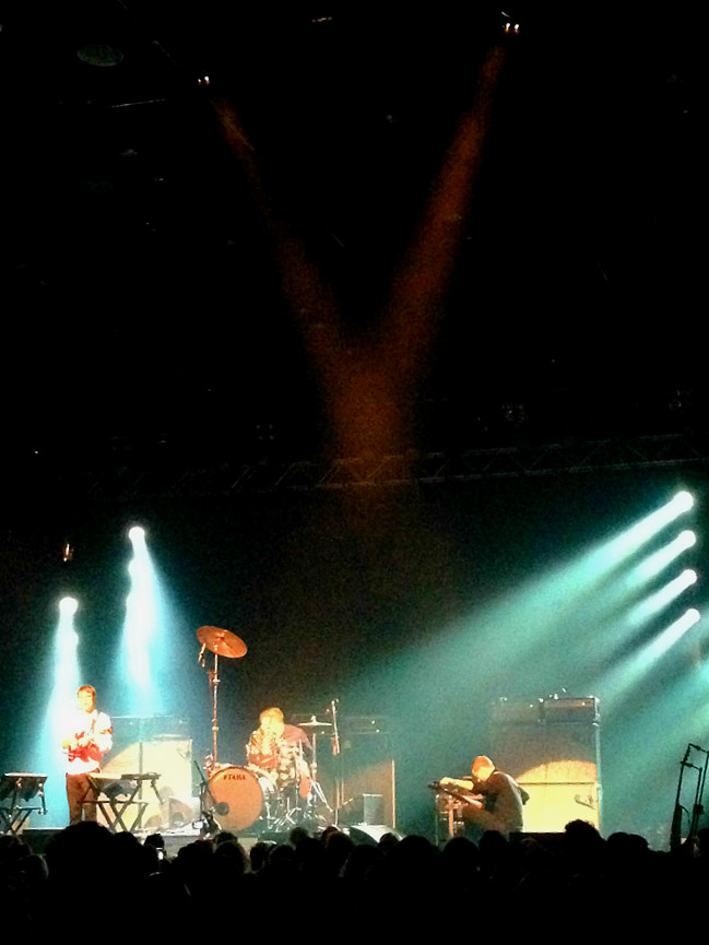 Battles with a massively tall drum kit!